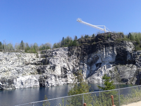 A flooded quarry about 30 minutes drive from Ottawa. The crane is about 50m above the water and is the highest bunjee jump in North America.